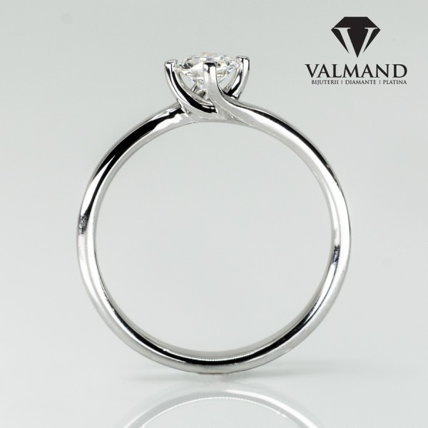 Gold or Platinum engagement ring with Diamond 786