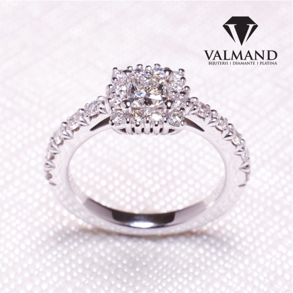 Gold or Platinum engagement ring with Diamonds i1202dipdi