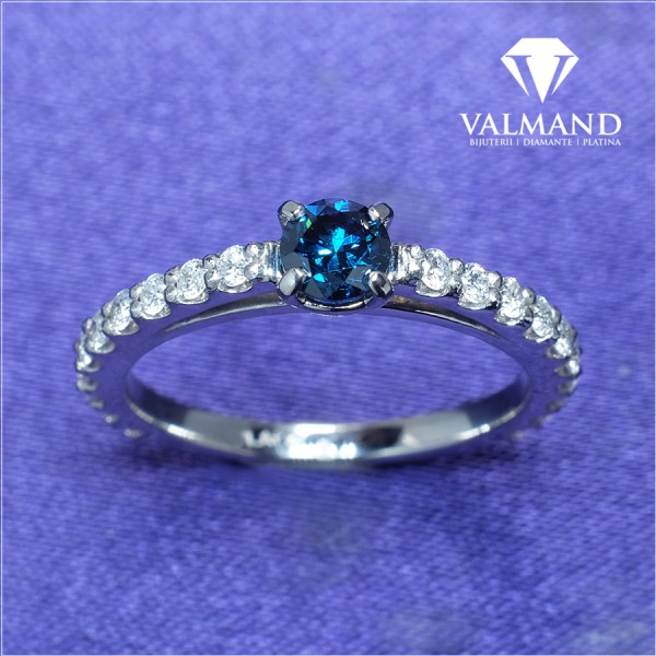 Gold or Platinum engagement ring with Blue Diamond and Colorless Diamonds 122096dbdi
