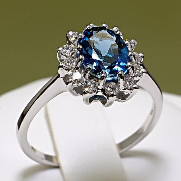Gold engagement ring with Topaz and Diamonds 038TpDi