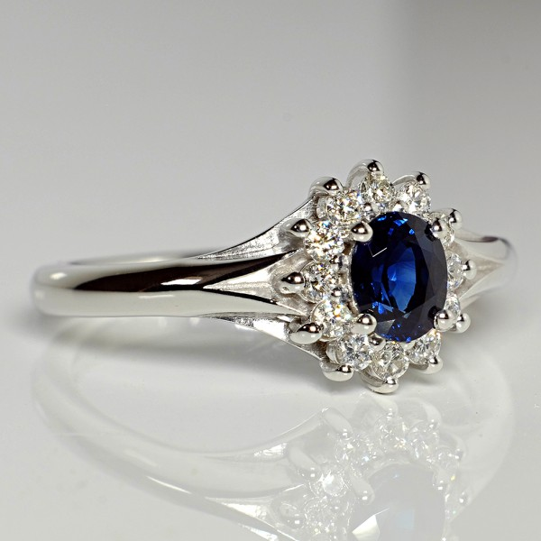 Gold engagement ring with Sapphire and Diamonds i042006SfDi