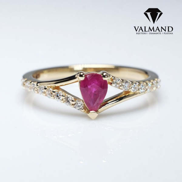 Gold or Platinum ring with Pear cut Ruby and Diamonds i533RbPaDi