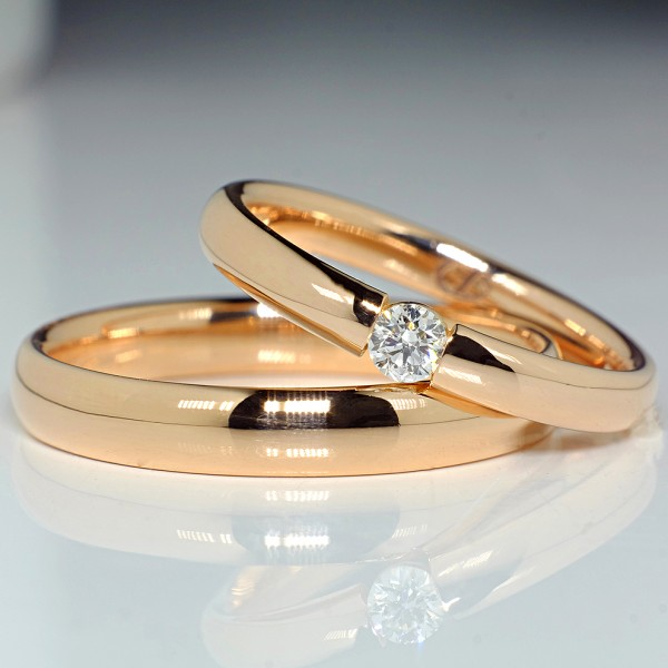 Gold or Platinum wedding bands with Diamond v066