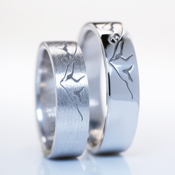Gold or Platinum wedding bands with mountain scenery v166