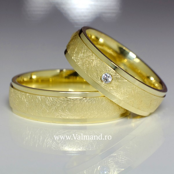 Gold wedding bands with Diamond v840
