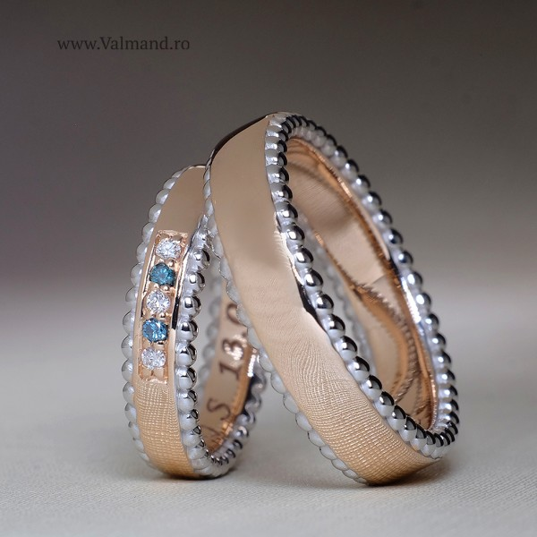 Gold wedding rings with Diamonds v887